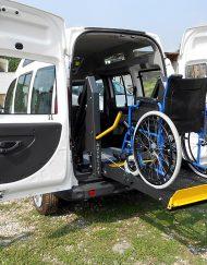 Doblo allestito usato per disabili